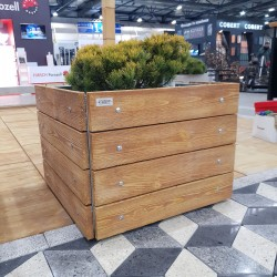 Absolute imitation of natural wood in concrete